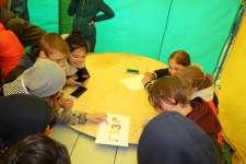 Участники форума соревнуются в интеллектуальной игре