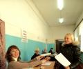На избирательном участке меня встречают все радушно!